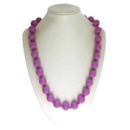 This stylish purple sassy soul mate design features twenty-eight 15mm sphere shaped soft, silicone beads which are individually knotted. A chew necklace for anxiety, chewy necklace for Autism, chew necklace for ADHD. A great educational tool to fill your sensory tank. A breakaway clasp for extra safety. Unisex sensory resource for people with special needs and/or chew their fingernails, chew their shirt collar. Chew on our healthy alternatives and order now www.ninjababies.com.au