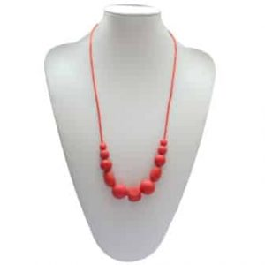 This stylish red Set Free design features two 9mm sphere, two 12mm sphere, two 15mm sphere, two oval and one cube shaped soft, silicone beads. A unisex sensory resource, chew necklace for anxiety, chewy necklace for Autism, chew necklace for ADHD. A great educational tool to fill your sensory tank. A breakaway clasp for extra safety. Unisex sensory resource for people with special needs and/or chew their fingernails, chew their shirt collar. Chew on our healthy alternatives and order now www.ninjababies.com.au